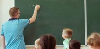 classe elementare (foto repertorio Shutterstock)