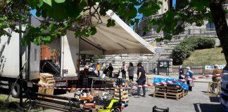 Mercato in piazza dell'acquedotto