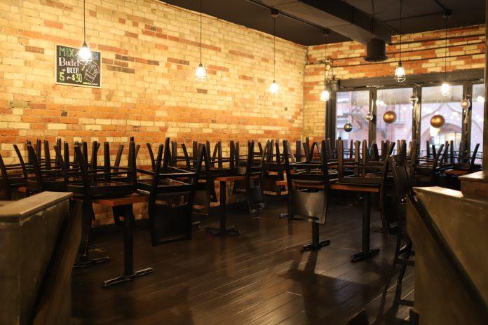 interno ristorante (foto repertorio Shutterstock.com)