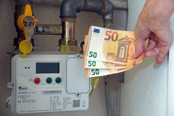 Banche: consumatori in allarme per norme su conti correnti, intervenga Governo