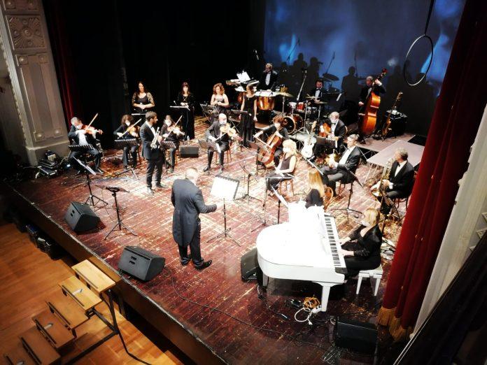 Spettacolo d'inaugurazione al Teatro de Micheli