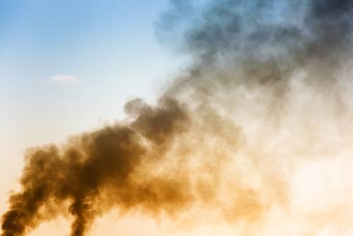 Inquinamento nell'aria (foto repertorio Shutterstock.com)