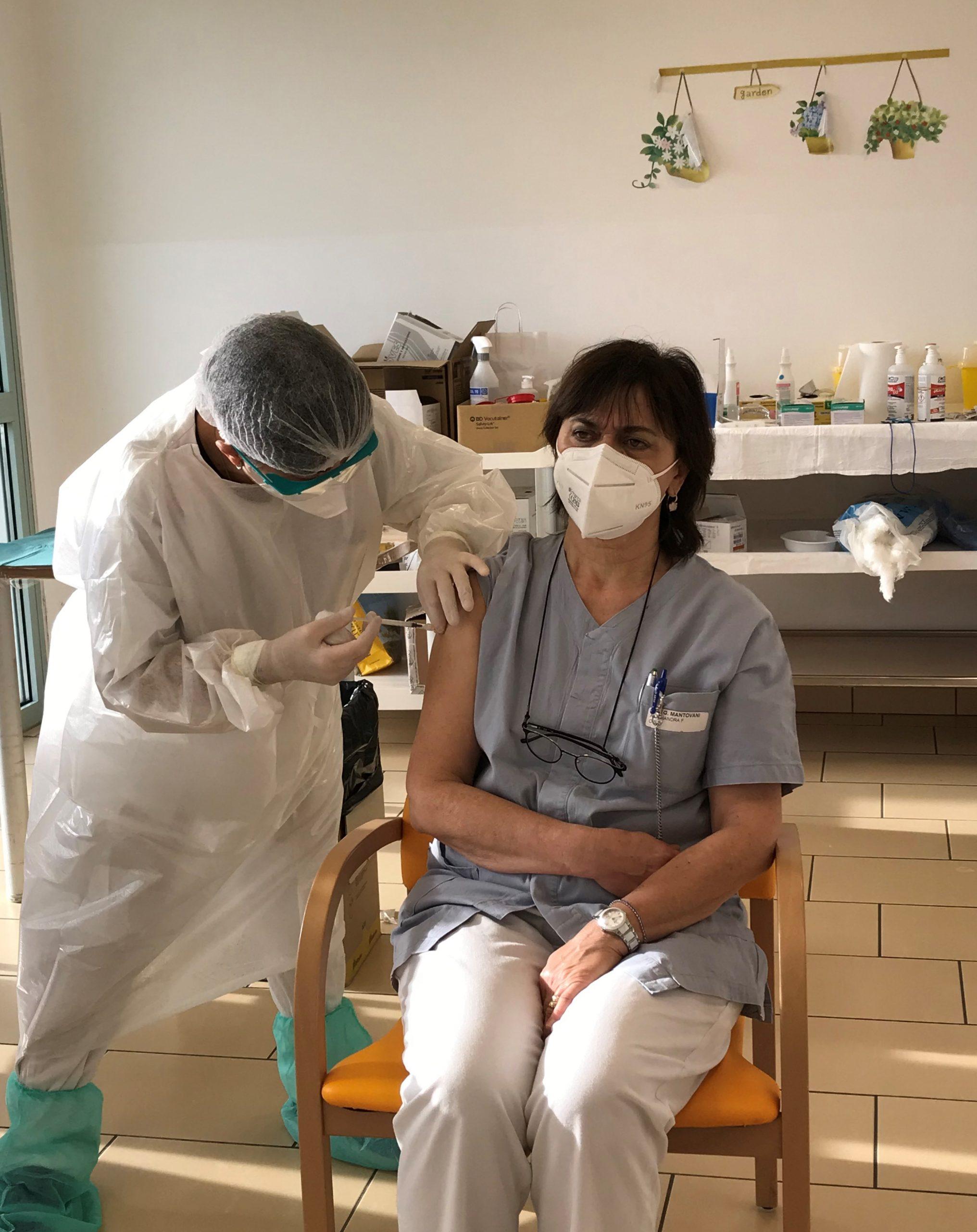 operatore CIDAS vaccinato alla struttura Mantovani