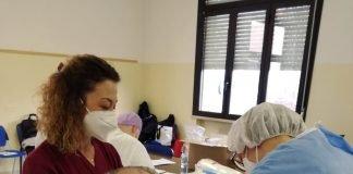 seconda dose di vaccino ad un ospite della Residenza CIDAS di Portomaggiore
