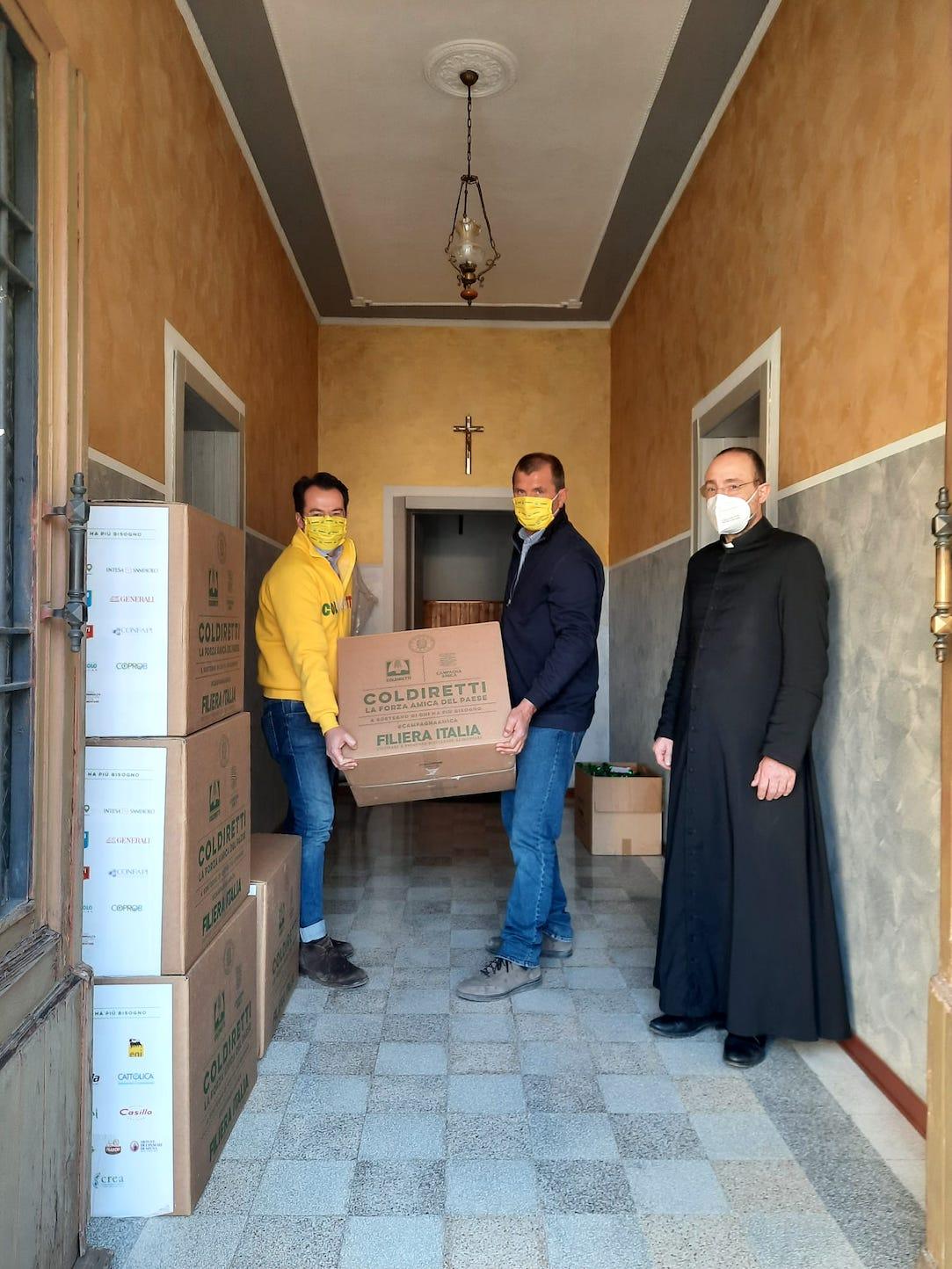 Consegna dei pacchi Coldiretti a Copparo